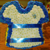 Wreath in the shape of a Leeds Utd jersey